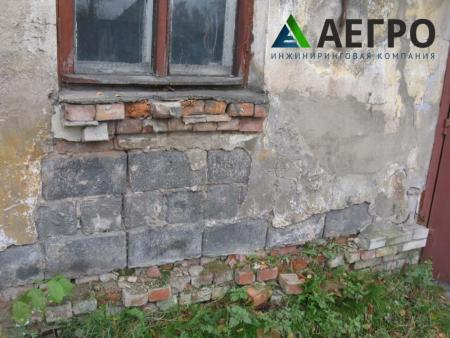 Растрескивание и отпадение штукатурного покрытия