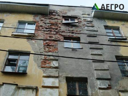 Деструкция кирпичной кладки наружной стены