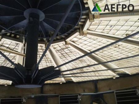 Центральный узел конструкции фонаря