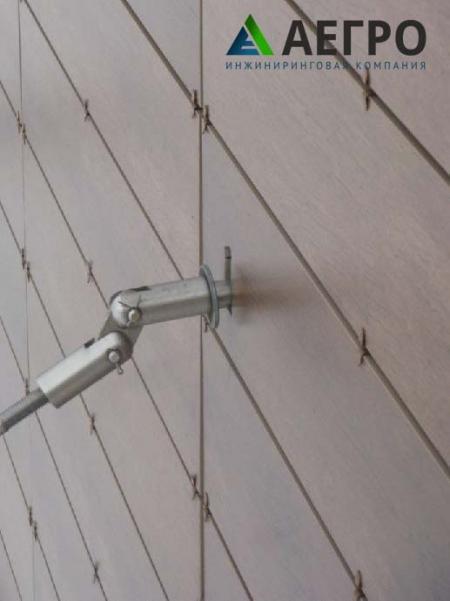 Изгиб и частичное вырывание анкера из стены здания